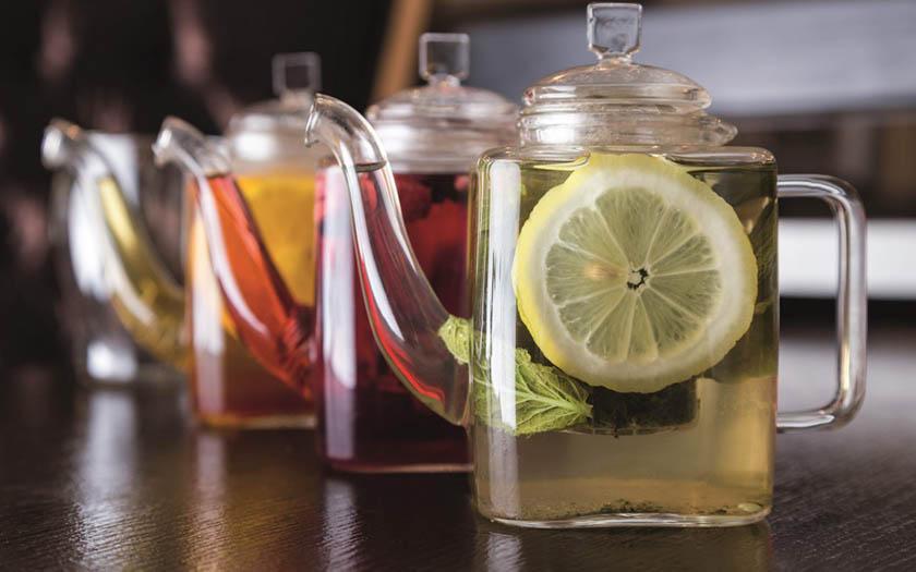 6 sencillos pasos para preparar deliciosas y nutritivas infusiones de frutas