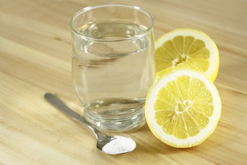 zumo de limón con bicarbonato