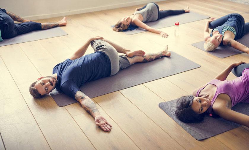 6 Posturas De Yoga Ideales Para Hombres Inti Tv