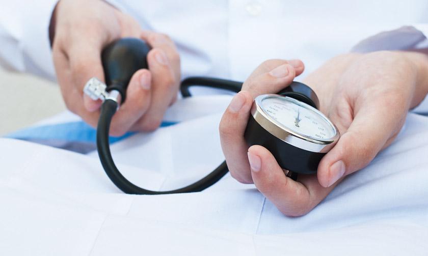 Cómo complicaciones de la hipertensión en 2 sencillos pasos?